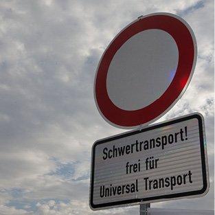 Einfahrt Verboten für Universal Transport frei